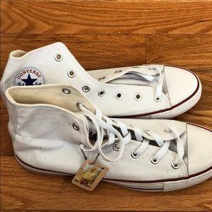 White High Top converse Size 8.5